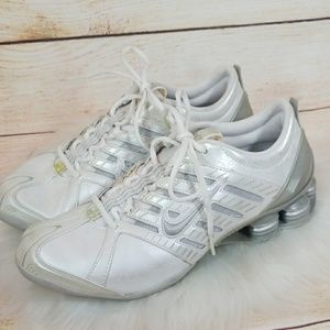 Nike Shox running shoes size 8 great condition